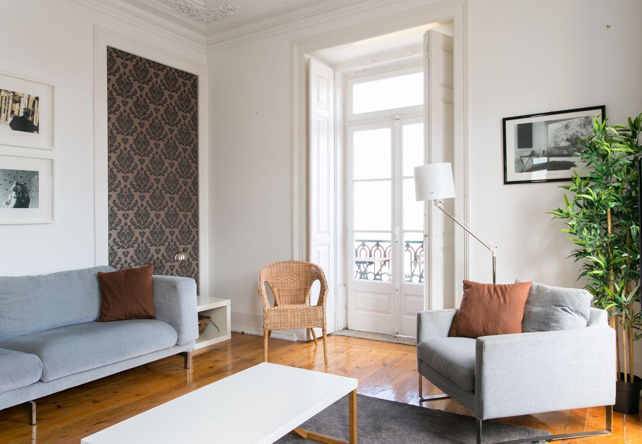 Apartamento em Lisboa - Bairro Alto w/ View up to 20guests by Central Hill