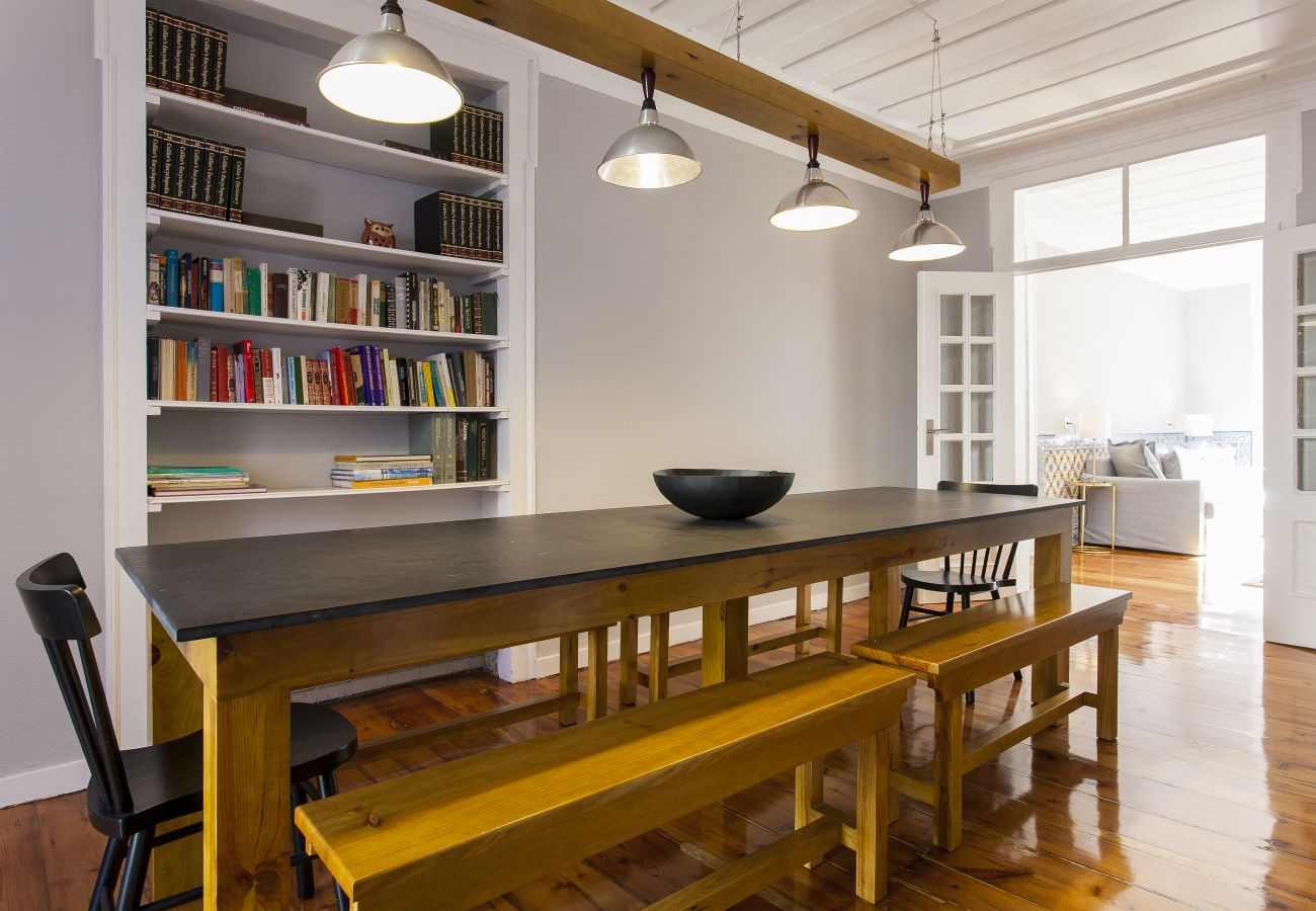 Apartamento em Lisboa - Big Flat w/Terrace up to 22guests by Central Hill