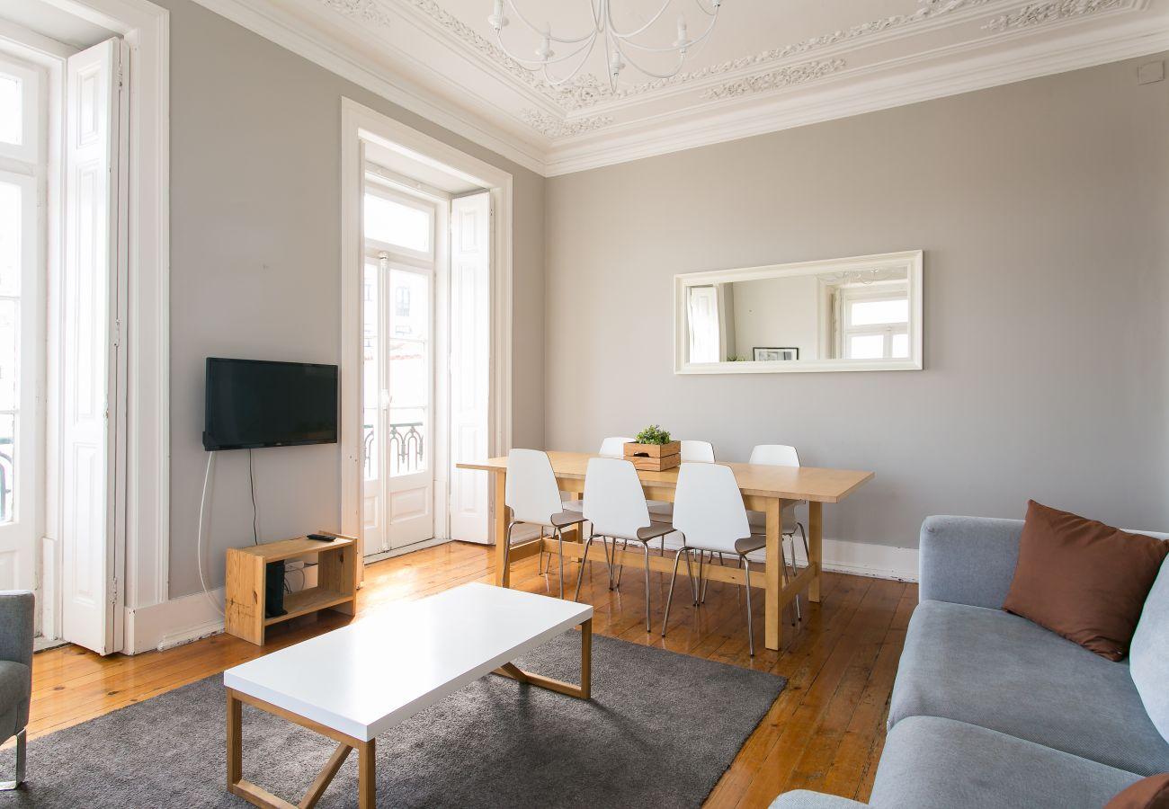 Apartamento en Lisboa ciudad - Bairro Alto w/ View up to 20guests by Central Hill