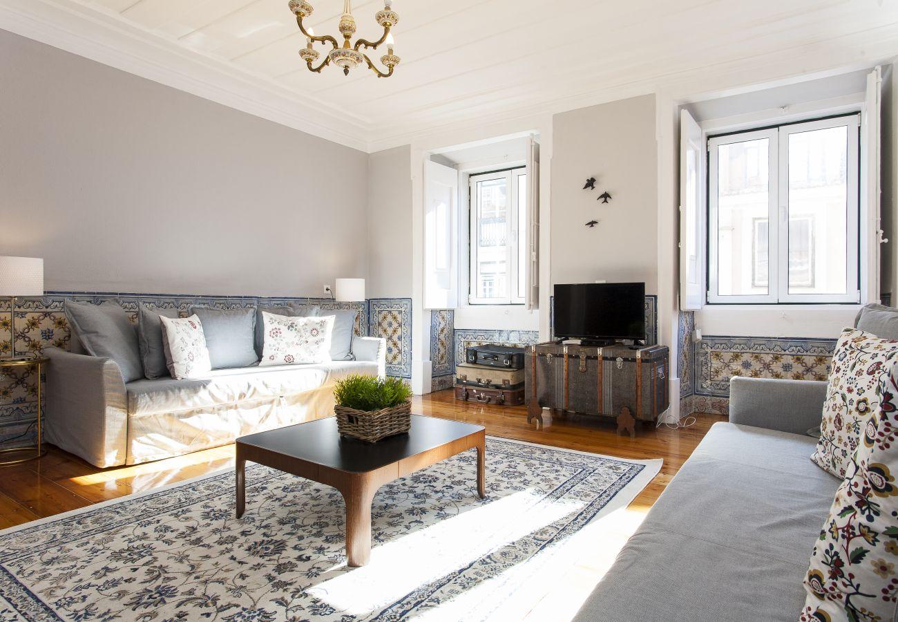 Apartamento en Lisboa ciudad - Big Flat w/Terrace up to 22guests by Central Hill